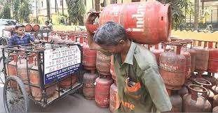 फिर बढ़ेगी रसोई गैस की कीमत ?