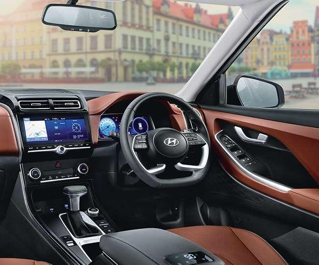 Hyundai Creta के बाद कंपनी की इस एसयूवी को खूब पसंद कर रहे लोग, कुछ ही हफ्तों में बुकिंग पहुंची 12 हजार के पार