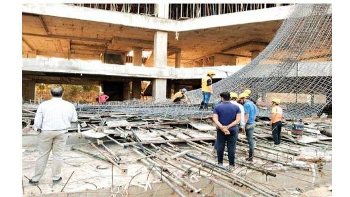 भरभरा कर गिरा निर्माणाधीन कपड़ा फैक्ट्री का छज्जा, 1 मजदूर की मौत, 8 घायल